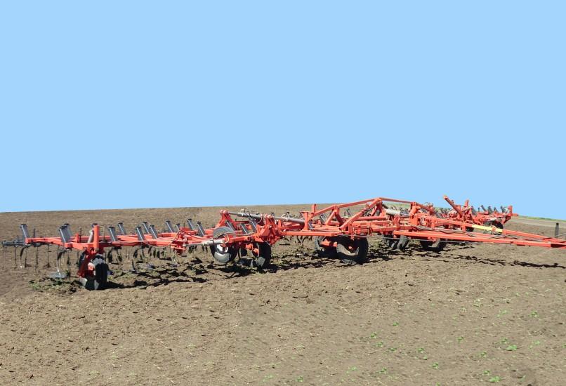 Культиватор широкозахватный для сплошной обработки почвы КШУ-18